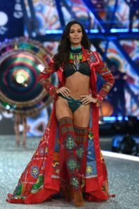 016 Victoria's Secret Fashio n Show in Paris Joan Smalls