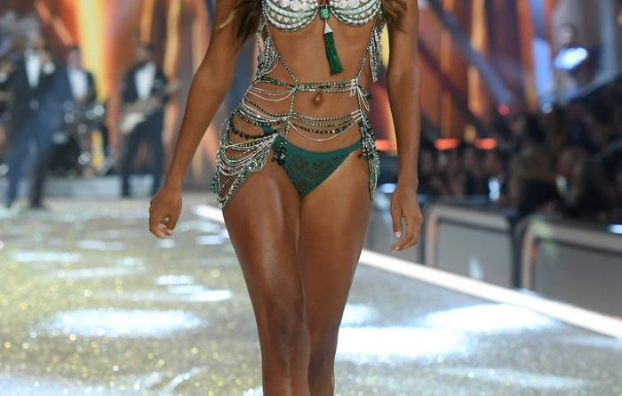 2016 Victoria's Secret Fashion Show in Paris - Jasmine Tookes