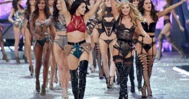 "Victoria's Secret Angels ""fired up"" Paris"
