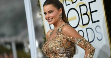 Fashion Goddess: Sofia Vergara in a Zuhair Murad's golden dress