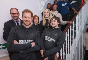 Prince Harry replicates his mother's charity photo 02