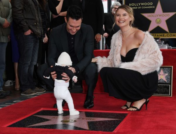 Adam Levine together with his wife and daughter