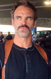 Simon (Steven Ogg)