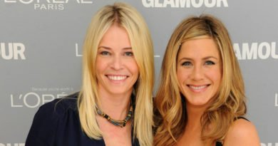 Jennifer Aniston And Chelsea Handlers