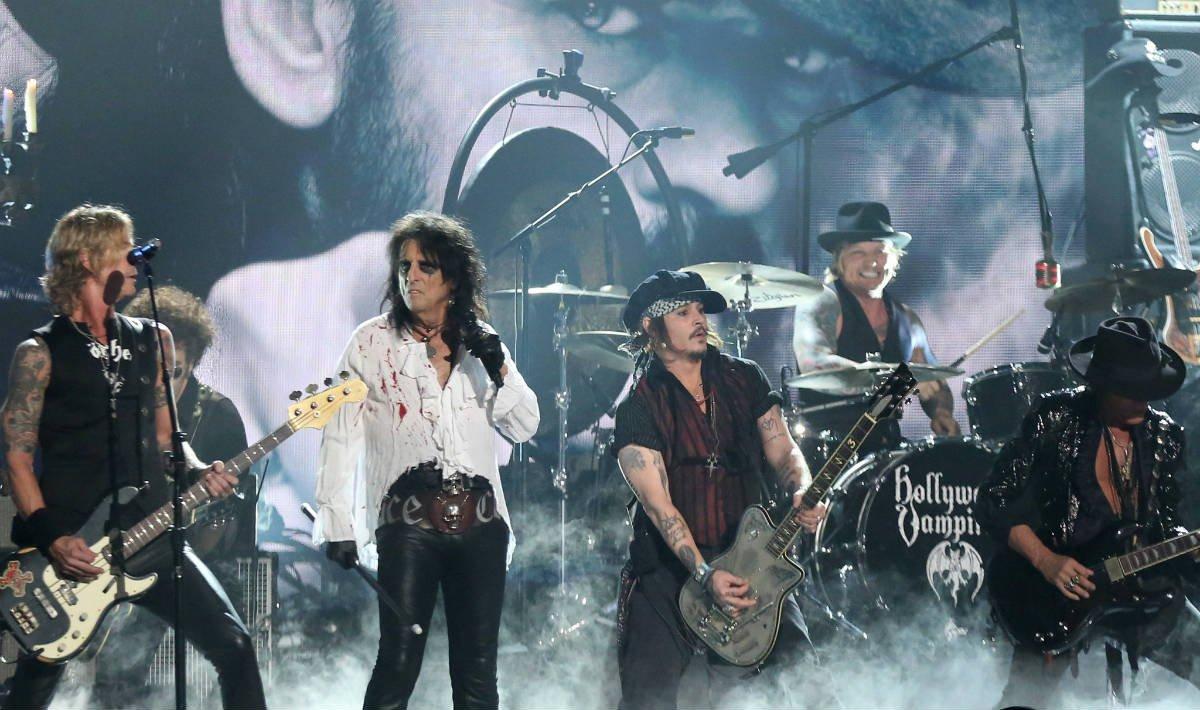 Queen Tour T