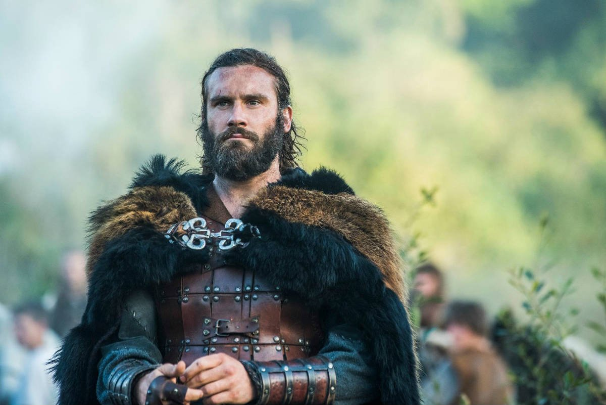vikings season 5 rollos arrival where does his allegiance lay the celebrity castle. Black Bedroom Furniture Sets. Home Design Ideas