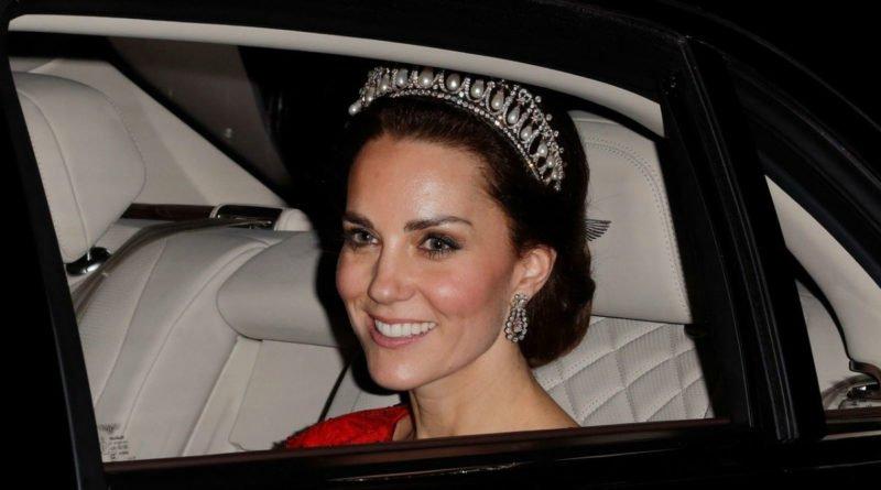 Kate Middleton wearing a dazzling tiara 3