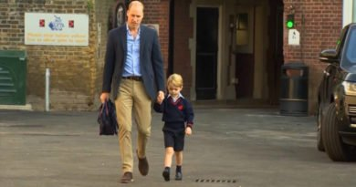 Prince William take Prince George to school