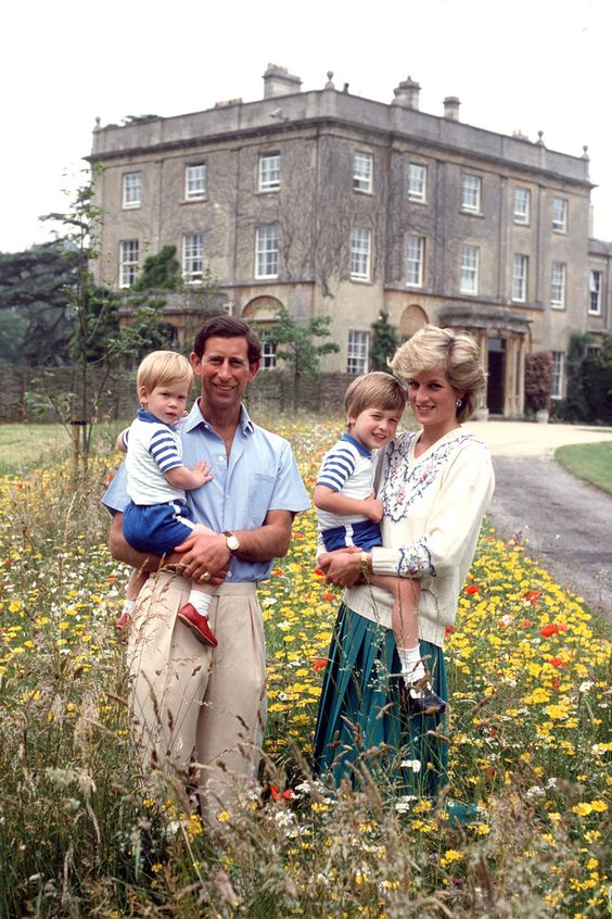 Prince Charles, Princess Diana, Prince William and Prince Harry 1986