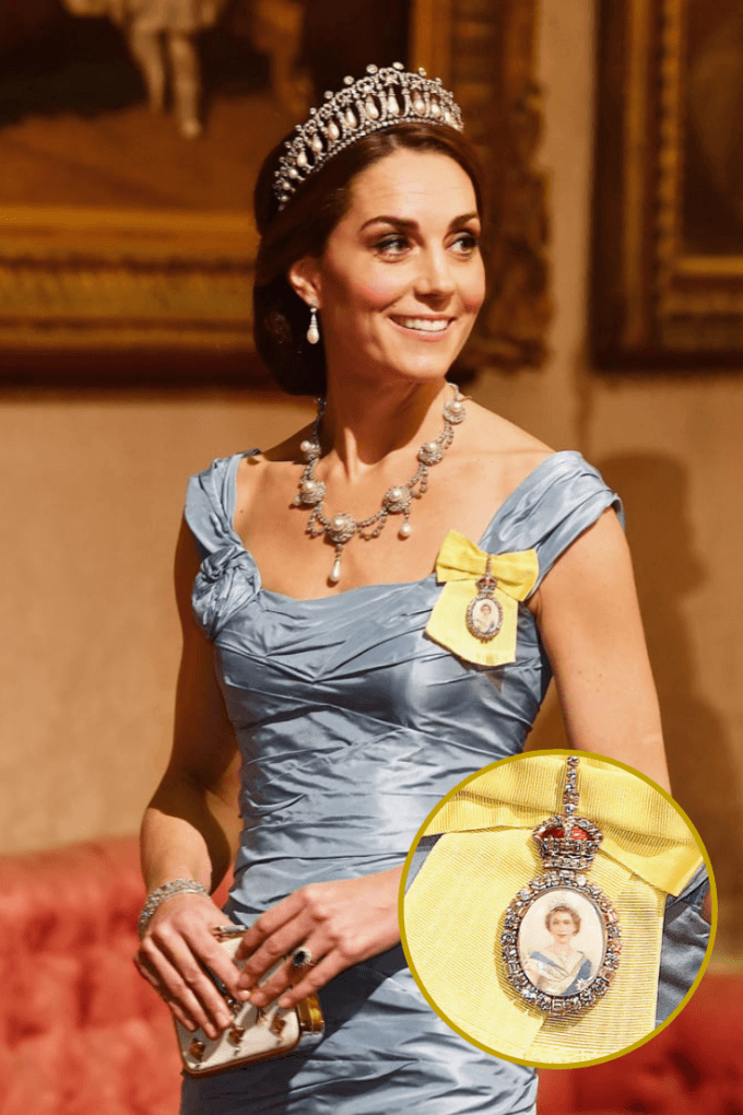 Kate Middleton wore a gorgeous gold brooch