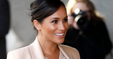 Meghan Markle Visits National Theatre