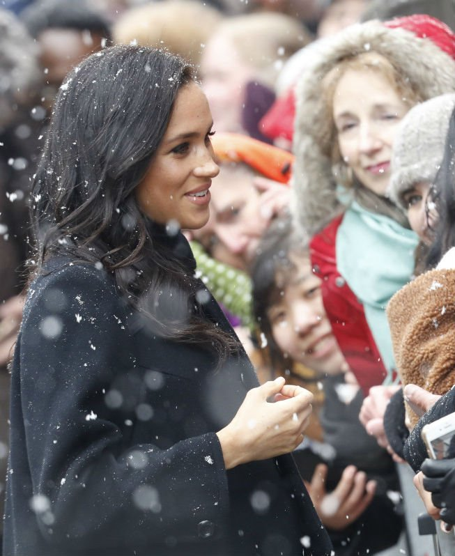 Duchess of Sussex with fans