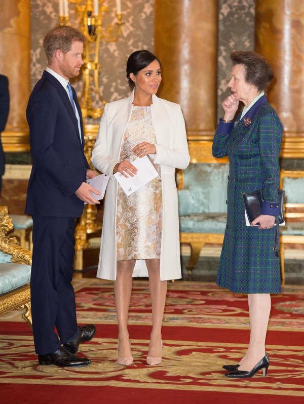 Meghan Markle and Prince Harry had the cutest PDA moment at Buckingham Palace