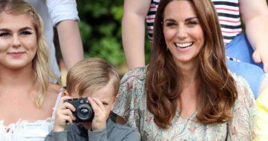 Kate Middleton Photographic Society