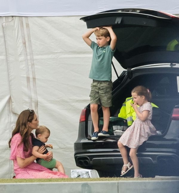 Where Is Kate Taking The Kids While On Summer Holiday