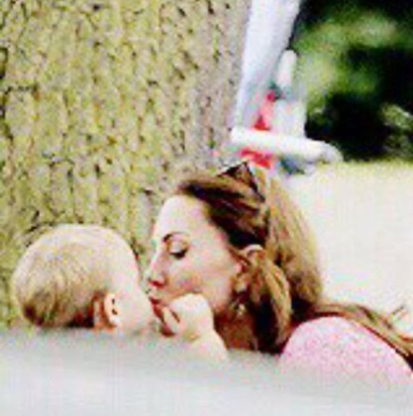 prince louis and kate kiss