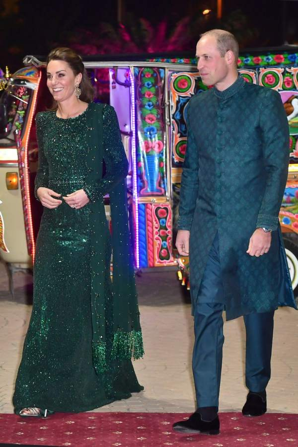 William And Kate Arrived At The National Monument In Islamabad