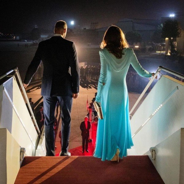William And Kate Share A Stunning Behind-The-Scenes Photo From Pakistan Tour