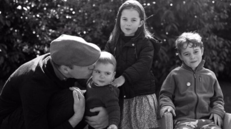 Duchess of Cambridge Releases Her Own Gorgeous Monochrome Christmas Photo