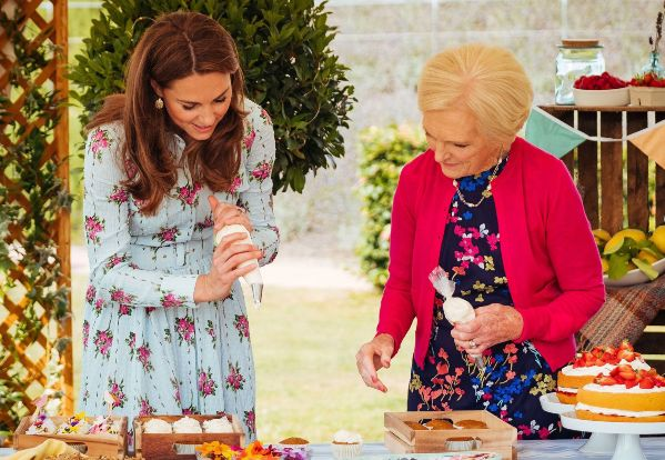 Kate-Middleton-and-Mary-Berry