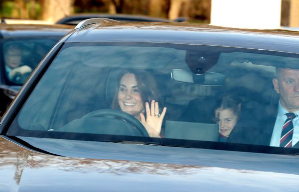 kate-middleton-and-Princes-Charlotte-at-Queens-Christmas-lunch