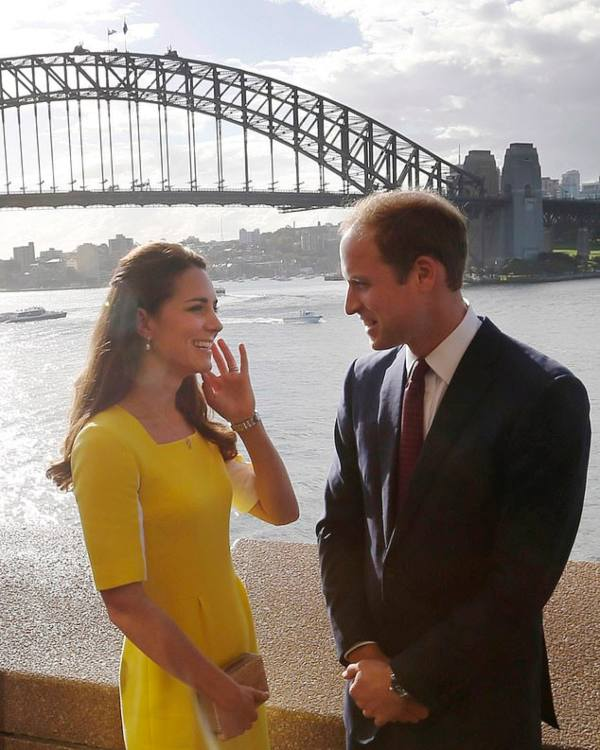 The Hidden Meaning Behind Kate's Yellow Dress From Latest Australia Video Message