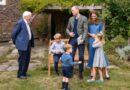 William Kate George Charlotte Louis Sir David garden (3)