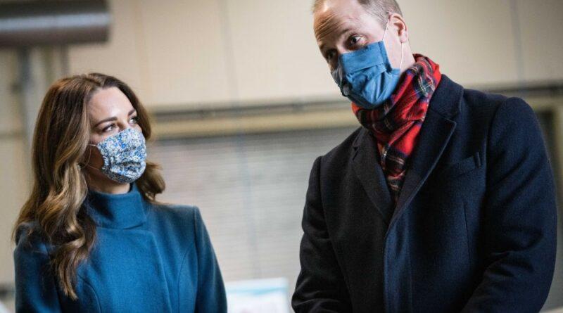 Prince William and Kate Middleton on Royal Train Tour 12 (1)