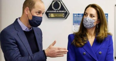 Prince William And Kate Smiling As They're Reunited For Scotland Royal Tour