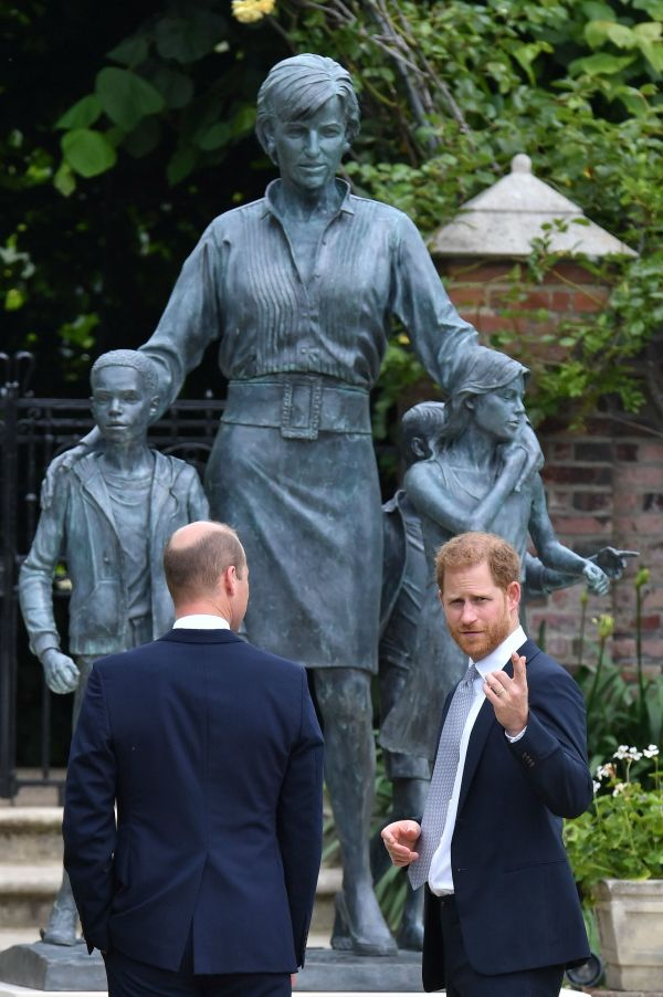 Prince William Prince Harry Princess Diana statue